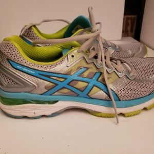 Asics Ladies athletic shoe 11M worn once EUC